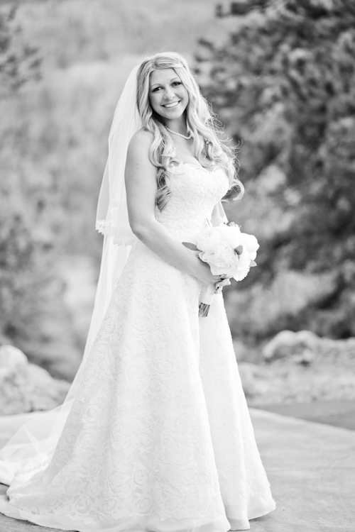 December-wedding-della-terra-bride