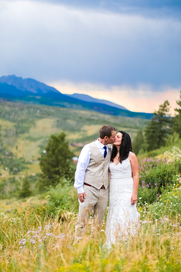 mountain home wedding in silverthorne-1000