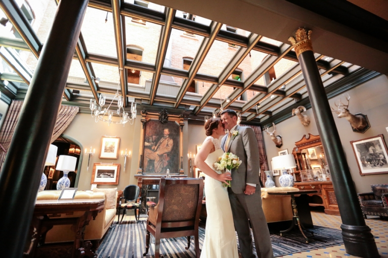 intimate-wedding-at-the-hotel-jerome-in-aspen