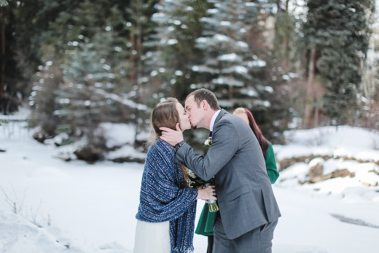 Estes Park elopement in the snow Photo by Becky Young Photography