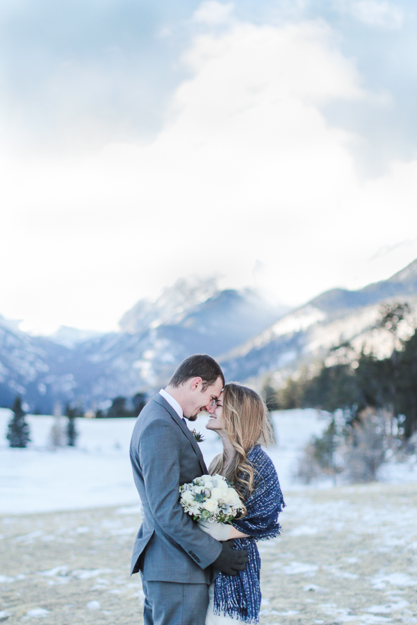Elopement in Rocky Mountain National Park in the winter