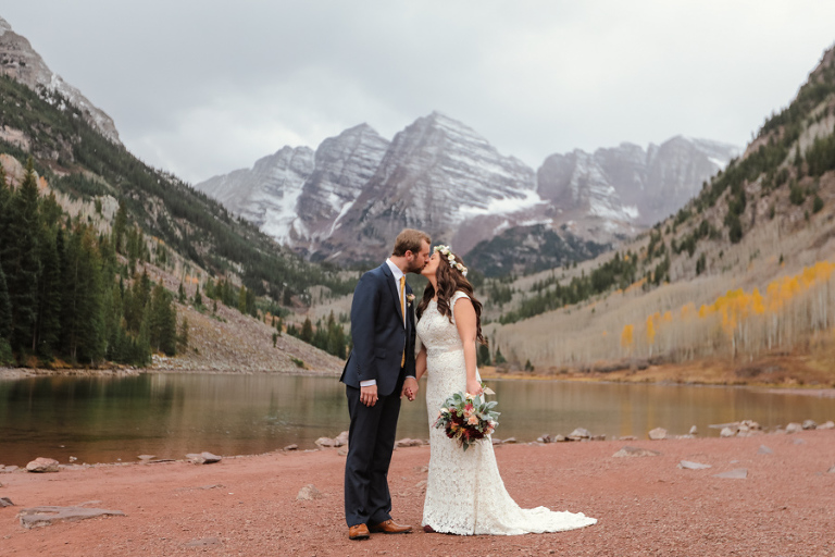 eloping at maroon lake at the maroon bells in aspen colorado photo by becky young photography