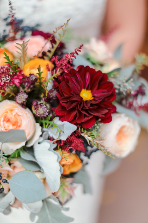maroon elopement bouquet in aspen colorado