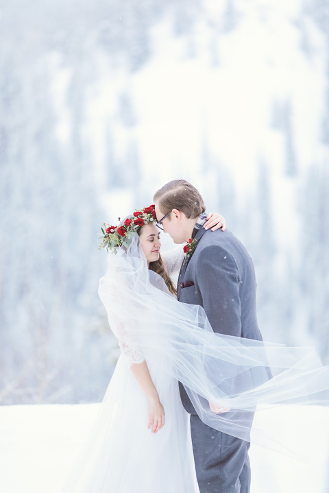 an amazing mountain elopement location for a winter wedding in colorado