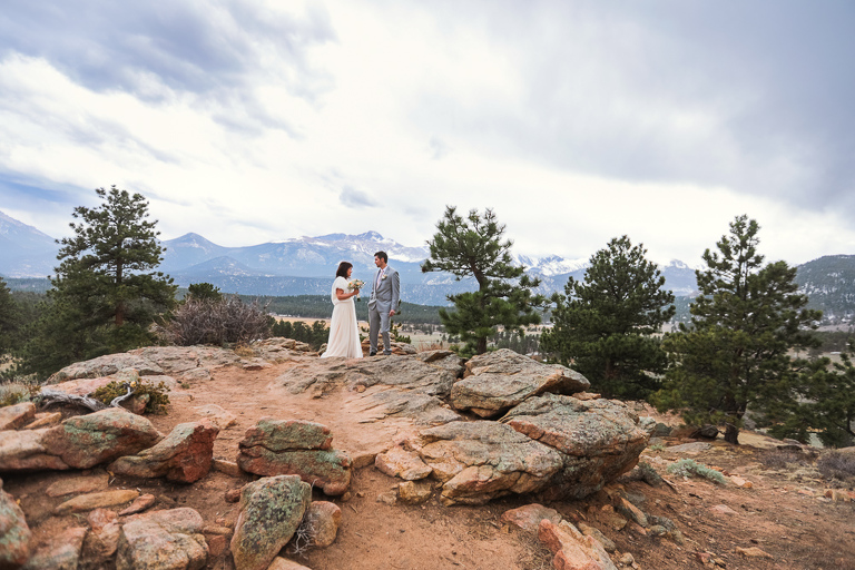 A bride and groom elope at the 3M Curve in RMNP